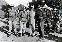 Le cdt Lamouline, chef d'état-major du bataillon baluba avec col Weber et les lts Crohé et Stock 1961