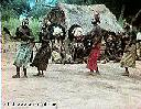 """Danseurs """"Bambote"""" aux environs de Makungu"""