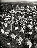 Stanleyville: Avenue des Eucalyptus, en avant-plan - Notre maison 3e à partir de la dr.