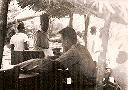 Marché de coton en présence de l'agent de contrôle Jean Grosdent (Cotanga)