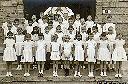 Regina Pacis - 4e 1958-1959 - 4e rang: 2e à partir de la gauche : POSSCHELLE Claude - 2e rang: 1e à g.: CLOCHETTE Hélène