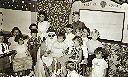 KAMINA Noël 1954 - Laura Degeert avec le colis et Loulou à sa gauche