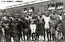 Kongolo - Train de voyageurs et affluence sur les quais