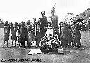 MALEMBA - Roi Mubanga et une de ses dix femmes (et enfants)