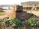 Restes de véhicules blindés abandonnés par les troupes O.N.U.