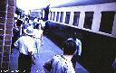 9H40 - Train de réfugiés venant de KONGOLO entre en gare
