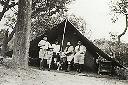 1920 - Sous la tente