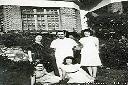 1946 - Nous cinq devant notre maison