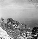 Deux maisons: la mienne avec les escaliers - Juillet 1958