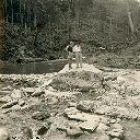Route supérieure vers le barrage avant terrassement - Fin Dec 1956