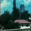 Maison en face de l'école